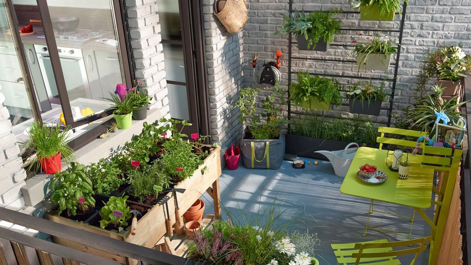 un potager sur mon balcon. Black Bedroom Furniture Sets. Home Design Ideas